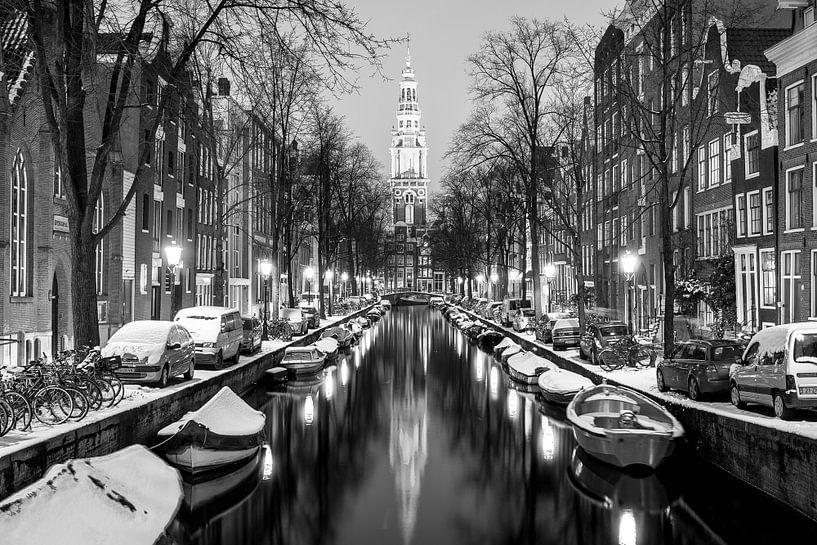 Typical dutch canal van Leon Weggelaar