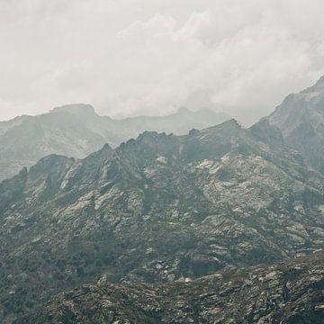 Bergen op Corsica van Jonathan Schöps   UNDARSTELLBAR