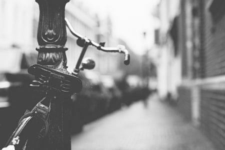 Fahrrad in der regen von Christopher A. Dominic