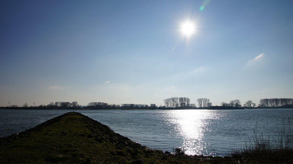 Sunset at the Rhein van Montferland Fotografie
