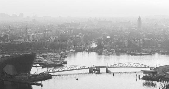 Nemo Science en het Oosterdok, vergezicht over Amsterdam van Renzo Gerritsen