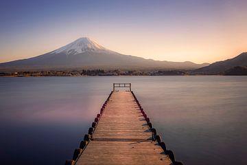 Sonnenuntergang auf dem Berg Fuji von Manjik Pictures