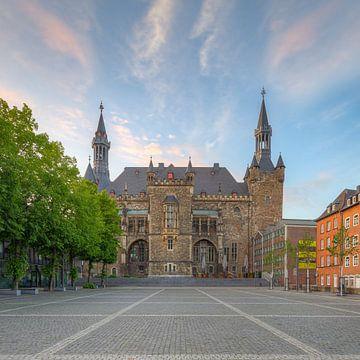 Rathaus Aachen Sonnenuntergang von Michael Valjak