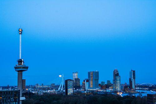 Rotterdam in het blauwe uurtje
