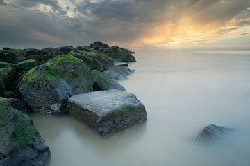 Mystical sunset van Roelie Steinmann