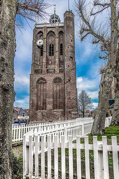 De centrale kerktoren van het Friese stadje  Workum van Harrie Muis