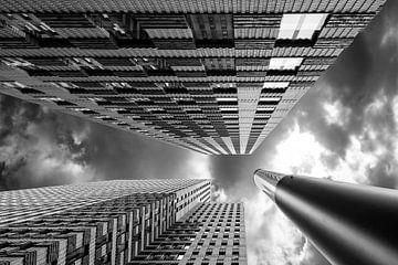 Sky high (Zwart-Wit) van Wil Crooymans