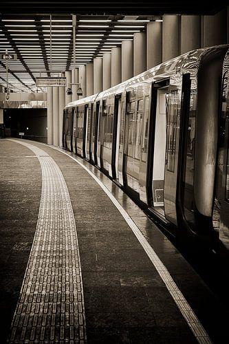 Metro von Rob van der Teen