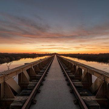 Sonnenaufgang an der Moerputtenbrücke von Maikel Brands