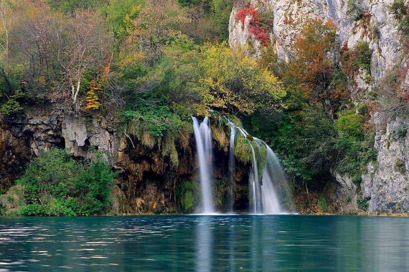 Wonderfull waterfalls van René Pronk