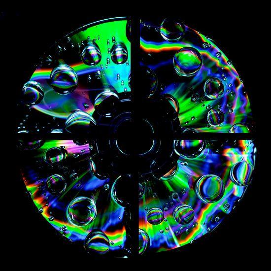 Muziek CD met regenboog druppels