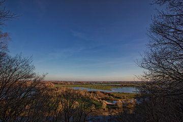 Uitzicht vanaf de Koningstafel op de Grebbeberg richting de blauwe kamer van Jacques Jullens