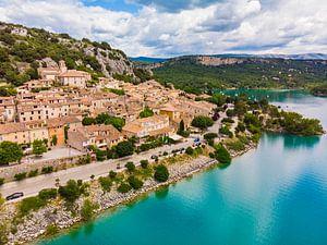 Historisch dorpje aan het meer