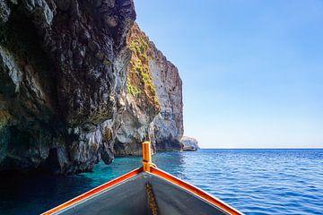 Varen in de blauwe grotten van Malta van Evelien Oerlemans