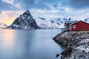 Rotes Haus am Meer von Tilo Grellmann
