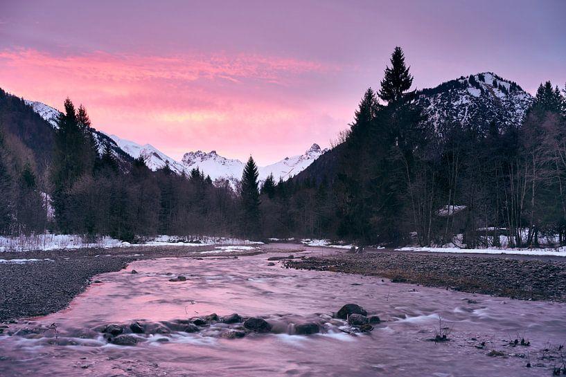 Sonnenaufgang an der Trettach von Max Schiefele