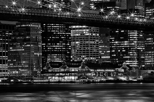 Manhattan NYC Pier 17 van Melanie Viola