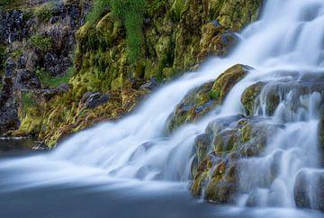Nahaufnahme Wasserfall von Leontine van der Stouw
