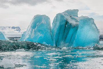 Des icebergs bleus  sur Anita Loos