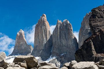 De Torres Del Paine, de Blauwe Torens-3 von Gerry van Roosmalen