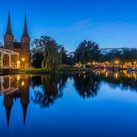 Blauwe uur bij Oostpoort in Delft  van Ardi Mulder