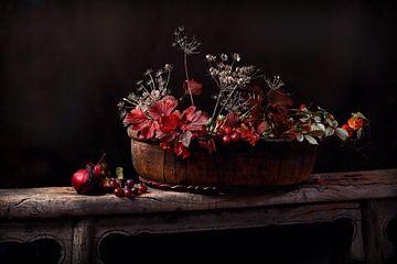 """Stilleven in herfstkleuren """"touch of red"""" van Els Fonteine"""