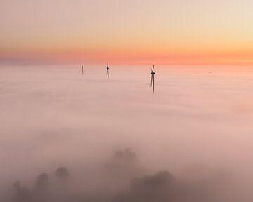 Prachtige mistige ochtend bij Alkmaar, Noord Holland van Nick de Jonge - Skeyes