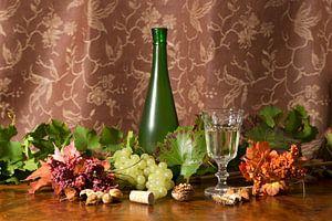 Stillleben mit Wein und Trauben