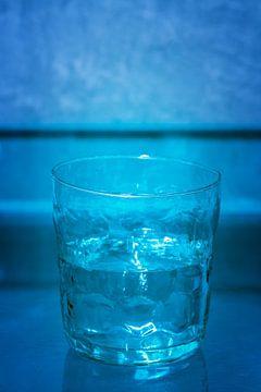 Waterglas, half vol. van Domicile Media