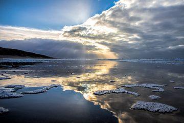 Donkere wolken boven de Noordzee  van