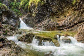 Dans la gorge d'Almbach près de Berchtesgaden sur Michael Valjak