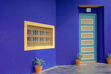 Ausschnitt aus dem Ives Saint Laurent Museum, Marrakesch, Marokko von Henny Hagenaars