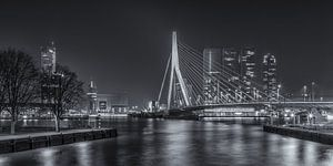 Erasmusbrug in Rotterdam in de avond - 4