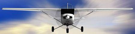 Cessna 152 fliegt hoch