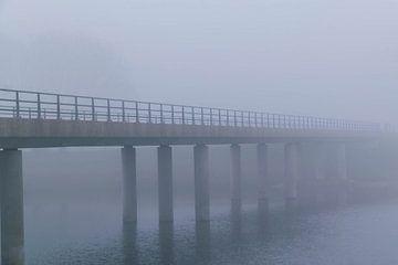 Brug in de mist van Lavieren Photography