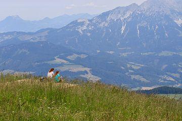 Mutter und Tochter Zeit in den Bergen von nina.rotim