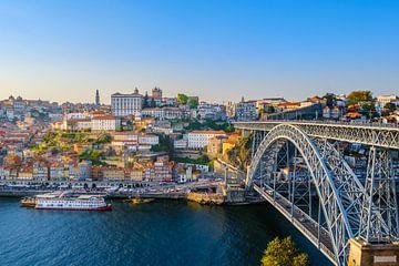 Luis I brug en de oude stad van Porto van Erik Ketelaar