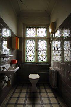 Zeer stijlvolle toilet van jordy van der horst