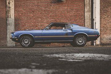 69 Mustang sur Aron Nijs