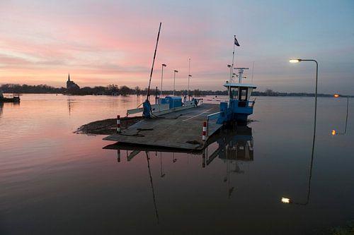 Pont over de Maas, Grubbenvorst van Wim van der Ende
