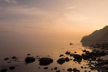 Sunrise on shore of the Baltic Sea van