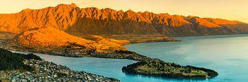 Magische zonsondergang bij Lake Wakatip, Nieuw-Zeeland van Markus Lange