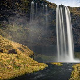 Seljalandsfoss waterval IJsland van Samantha Schoenmakers