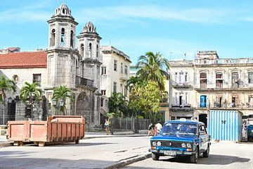 Oldtimer in Habana Vieja Cuba van Anouk Hol