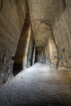 Hidden Caves 1 van Pascal Lemmens