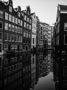Amsterdam in schwarz-weiß von Odette Kleeblatt