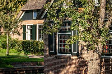 Traditioneel noord Nederlandse boerderij in Giethoorn van Fotografiecor .nl