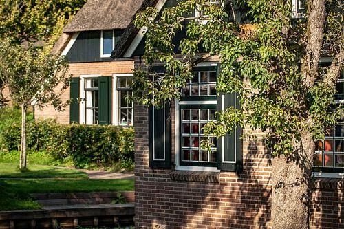 Traditioneel noord Nederlandse boerderij in Giethoorn