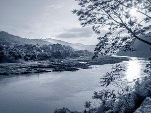 Zonsopgang op de Shijiang river, China, nabij Sanjiang, Guillin van