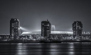 Feyenoord Stadion De Kuip während eines Europa League Abend (schwarzweiß)